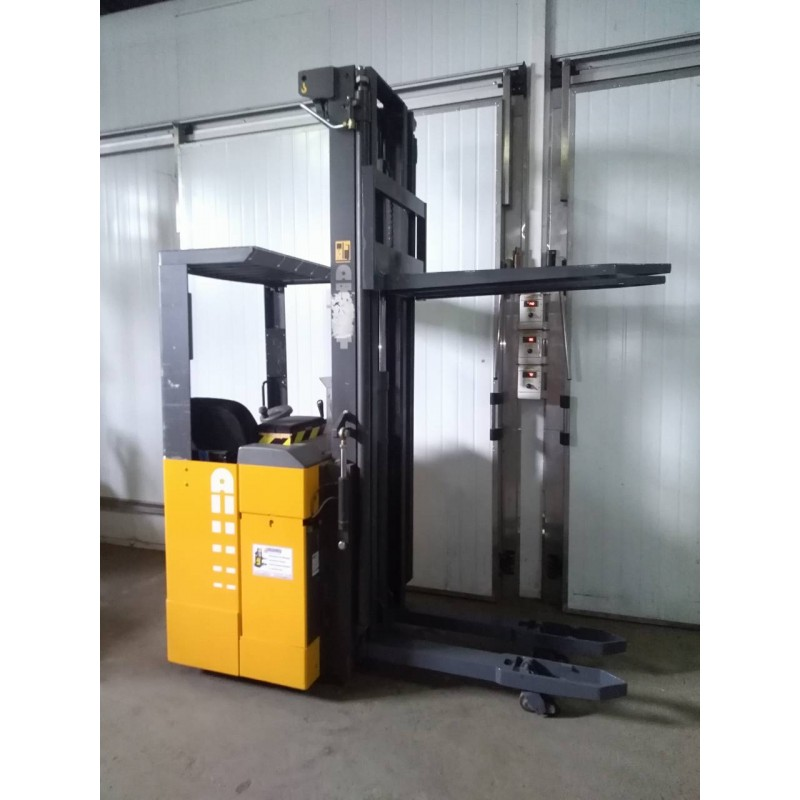 Штабелер електричний самохідний NISSAN Atlet 1,6т 6,3м