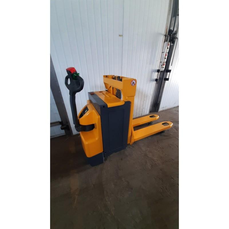 Штабелер електричний самохідний Jungheinrich ERD 20 1200-2000 кг 2,00м