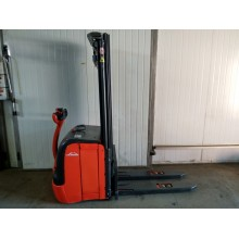 Штабелер электрический   LINDE L 14 1,4т 4.70м