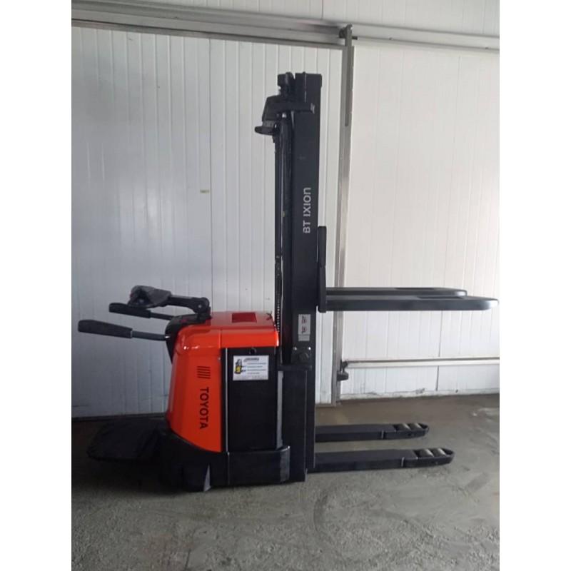 Штабелер електричний самохідний TOYOTA BT SPE 160 5.4м-висота підйому 1,6т