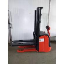 Штабелер электрический LINDE L 16 1,6т 4.20м