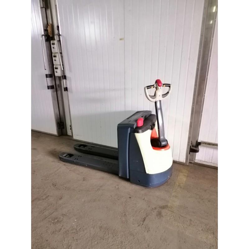 Електровізок CROWN 1600 кг 2014 для малий. магазинів