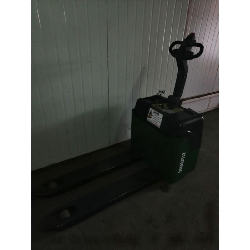 Б / У електровізок Clark 2000 кг 2012 року для малий. магазинів