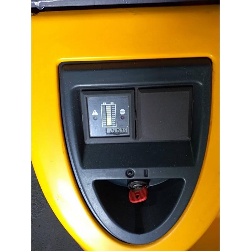Штабелер електричний повідковий Jungheinrich EJC 14 1,4т 4.64м 2012р-Батарея