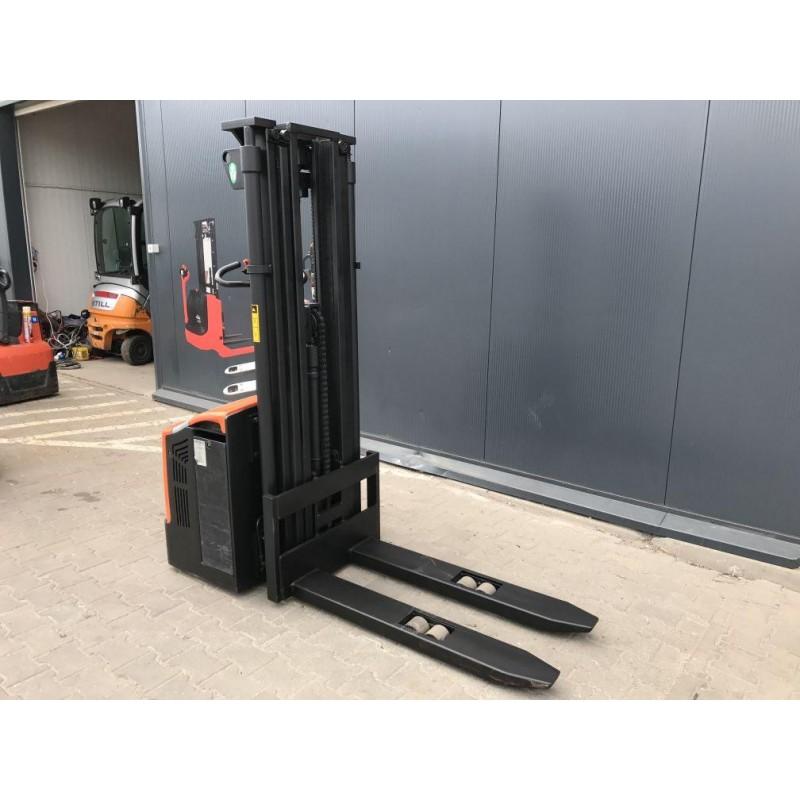 Штабелер електричний повідковий Rocla SW16ac 1600кг 410см-вис / під.